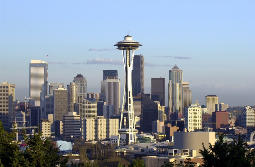 Space_Needle_and_skyline_from_Kerry_Park,_2000